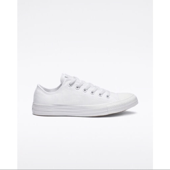 NWT UNISEX CONVERSE CHUCK TAYLOR ALL STAR LOW TOP